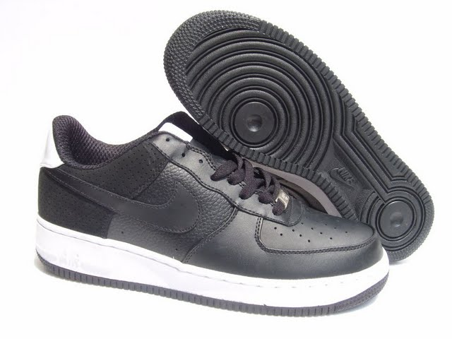 Nike-Air-Force-1-office-trainers